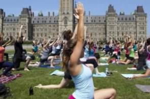 large-5-yoga-on-the-hill-1090239